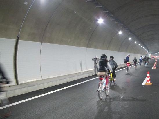 トンネル疾走.jpg